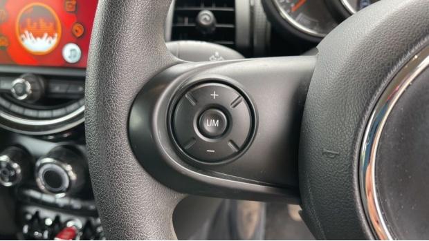 2019 MINI 3-door Cooper Classic (Grey) - Image: 17
