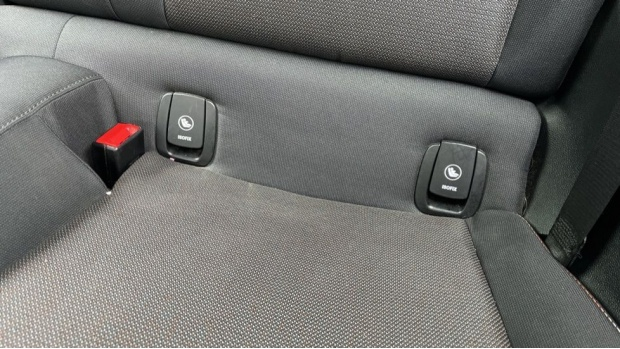 2019 MINI 3-door Cooper Classic (Grey) - Image: 32
