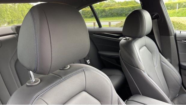 2019 BMW 530d M Sport Saloon (Black) - Image: 26