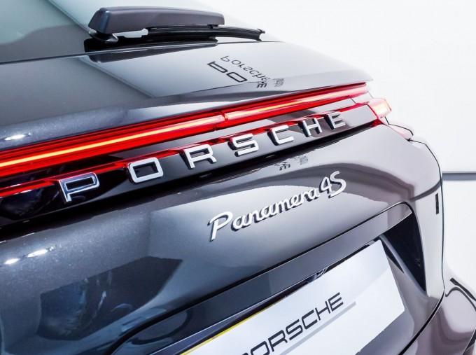 2018 Porsche V6 4S Executive PDK 4WD 4-door (Grey) - Image: 8