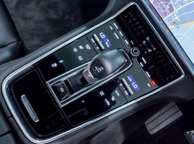 2018 Porsche V6 4S Executive PDK 4WD 4-door (Grey) - Image: 14