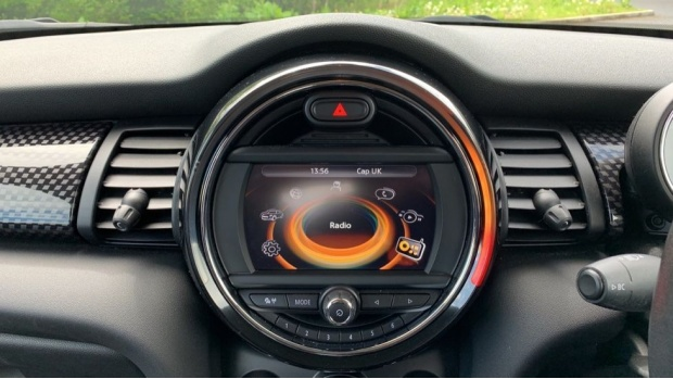 2016 MINI Cooper S 3-door Hatch (Black) - Image: 8