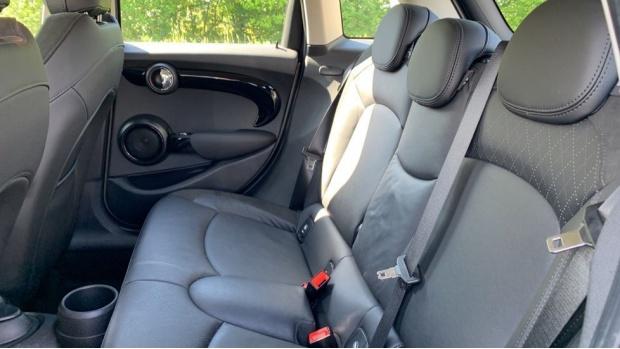 2018 MINI 5-door Cooper S (Grey) - Image: 12