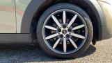 2018 MINI 5-door Cooper S (Grey) - Image: 14