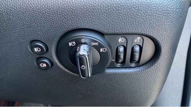 2018 MINI 5-door Cooper S (Grey) - Image: 26
