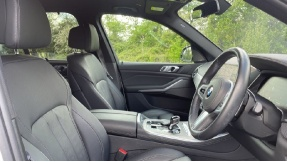 2019 BMW XDrive40i M Sport (White) - Image: 11