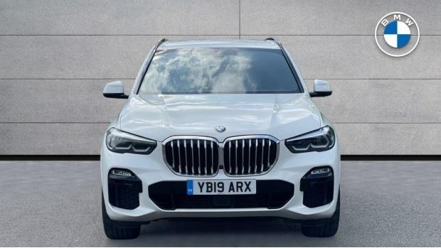 2019 BMW XDrive40i M Sport (White) - Image: 16