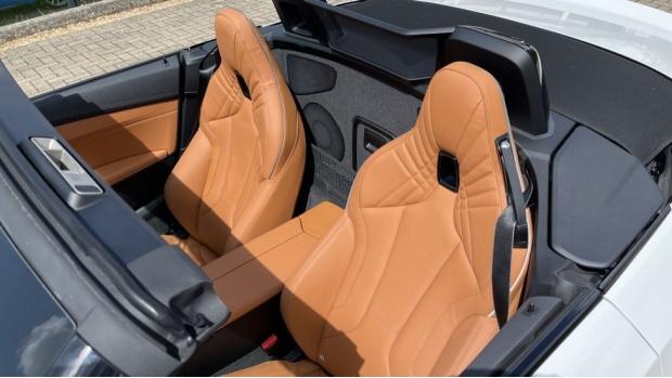 2021 BMW SDrive20i M Sport (White) - Image: 33