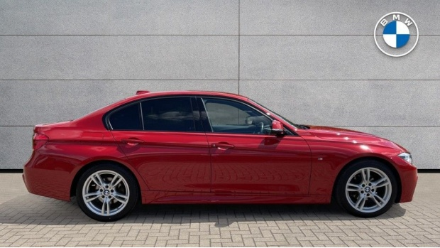2019 BMW 320i M Sport Saloon (Red) - Image: 3