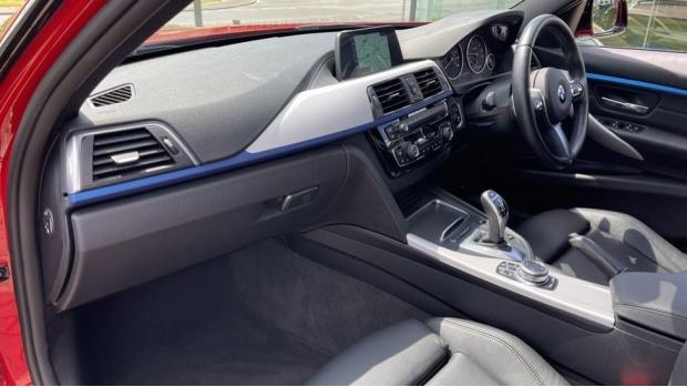 2019 BMW 320i M Sport Saloon (Red) - Image: 7