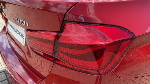 2019 BMW 320i M Sport Saloon (Red) - Image: 21