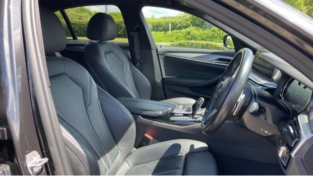2018 BMW 530e M Sport iPerformance Saloon (Grey) - Image: 11