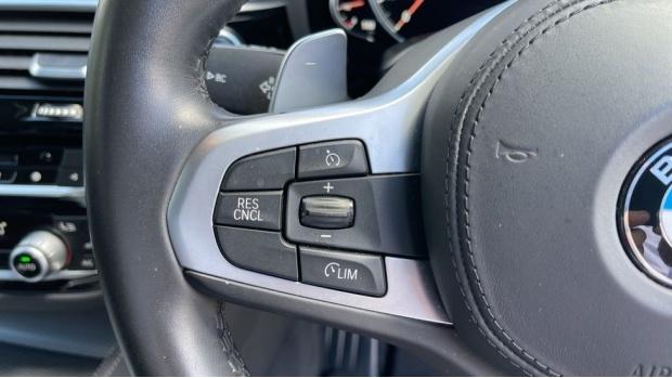 2018 BMW 530e M Sport iPerformance Saloon (Grey) - Image: 17