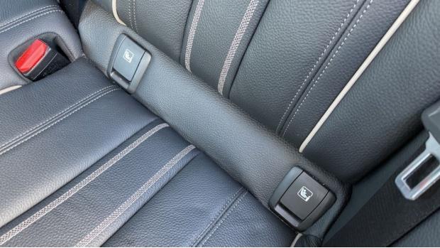 2018 BMW 530e M Sport iPerformance Saloon (Grey) - Image: 34