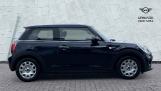 2021 MINI 3-door One Classic (Black) - Image: 3