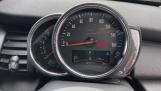 2021 MINI 3-door One Classic (Black) - Image: 9