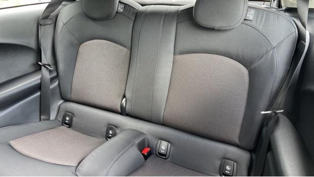 2021 MINI 3-door One Classic (Black) - Image: 12