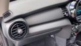 2021 MINI 3-door One Classic (Black) - Image: 28