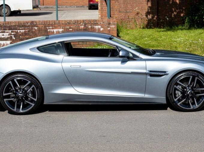 2016 Aston Martin V12 Touchtronic III 2-door (Silver) - Image: 3