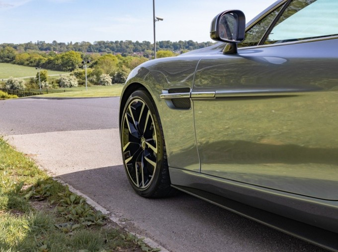 2016 Aston Martin V12 Touchtronic III 2-door (Silver) - Image: 10