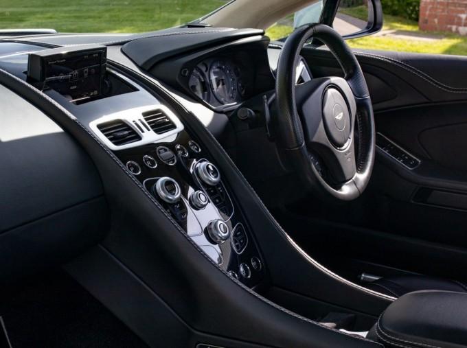 2016 Aston Martin V12 Touchtronic III 2-door (Silver) - Image: 11