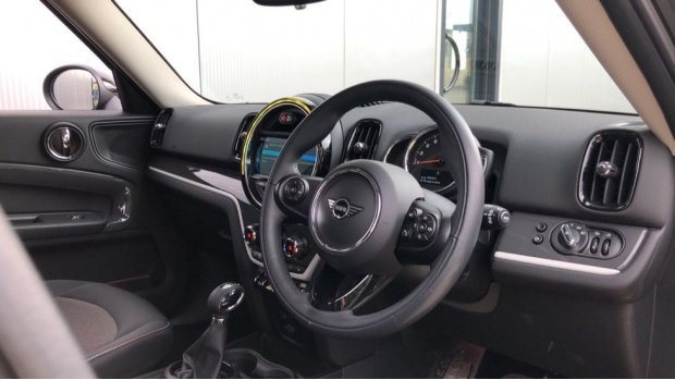 2019 MINI F60 Cooper S E Classic (Silver) - Image: 6