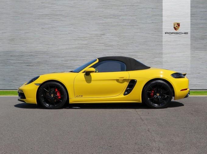 2018 Porsche GTS PDK 2-door (Yellow) - Image: 5