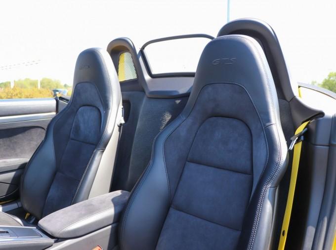 2018 Porsche GTS PDK 2-door (Yellow) - Image: 16