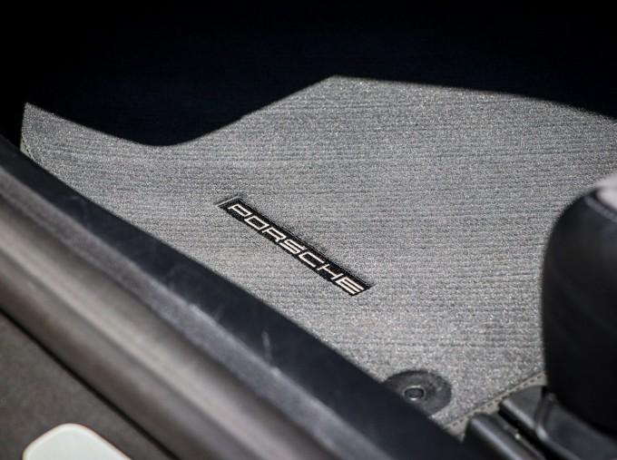 2018 Porsche GTS PDK 2-door (Yellow) - Image: 23