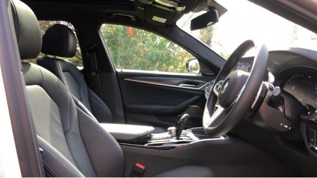 2021 BMW 520d M Sport Touring (White) - Image: 11