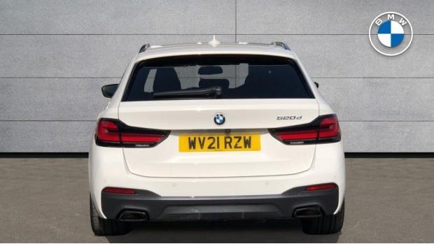 2021 BMW 520d M Sport Touring (White) - Image: 15