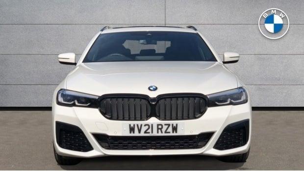 2021 BMW 520d M Sport Touring (White) - Image: 16