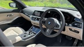 2021 BMW 320i xDrive M Sport Saloon (Black) - Image: 6