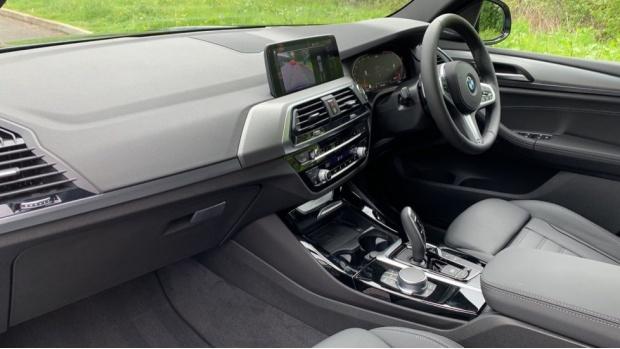 2021 BMW XDrive20i M Sport (Blue) - Image: 7