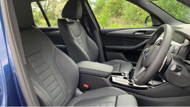 2021 BMW XDrive20i M Sport (Blue) - Image: 11