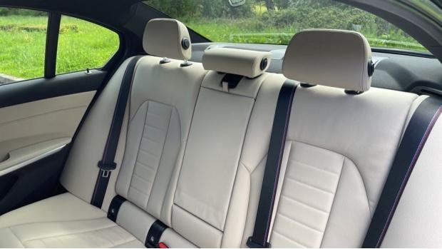 2021 BMW 320i xDrive M Sport Saloon (Black) - Image: 12