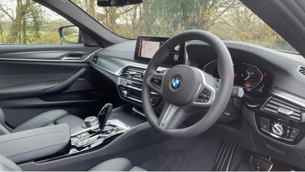 2021 BMW 520d M Sport Touring (Grey) - Image: 6