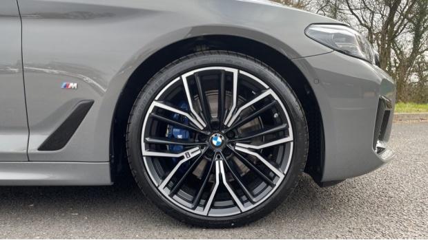 2021 BMW 520d M Sport Touring (Grey) - Image: 14
