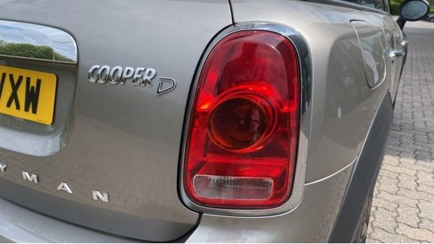 2019 MINI Cooper D Classic (Silver) - Image: 22