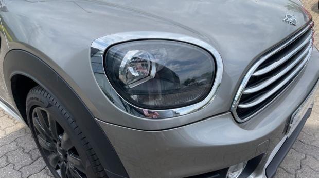 2019 MINI Cooper D Classic (Silver) - Image: 23