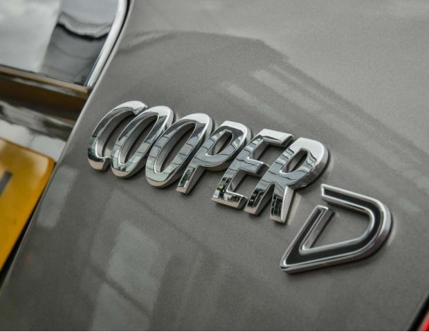 2019 MINI Cooper D Classic (Silver) - Image: 65