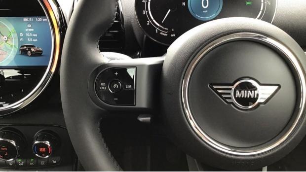2021 MINI Cooper Classic (Blue) - Image: 17