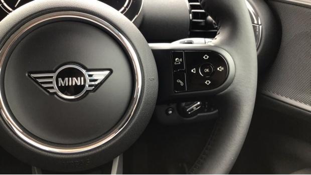 2021 MINI Cooper Classic (Blue) - Image: 18