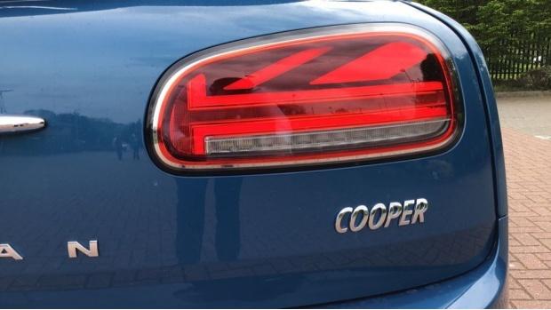 2021 MINI Cooper Classic (Blue) - Image: 21