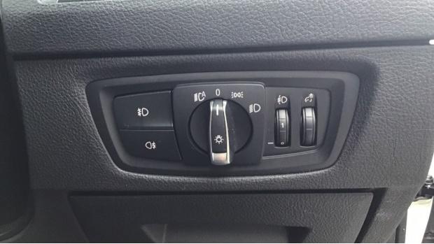 2019 BMW 118i M Sport Shadow Edition 5-door (White) - Image: 30