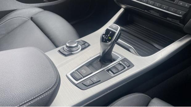 2017 BMW XDrive30d M Sport (Grey) - Image: 10