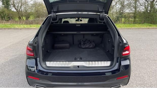 2021 BMW 530e M Sport Touring (Black) - Image: 13