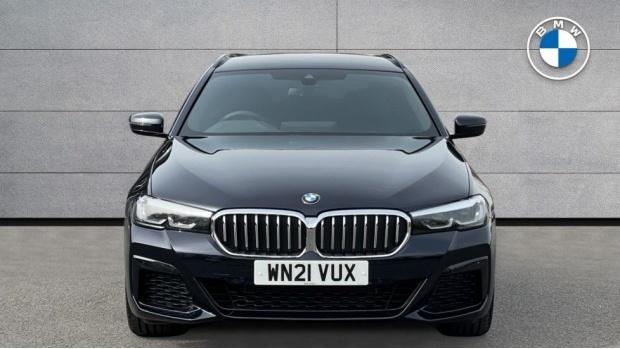 2021 BMW 530e M Sport Touring (Black) - Image: 16