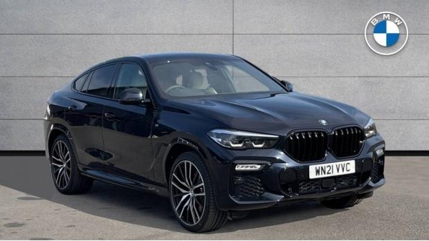2021 BMW XDrive40d M Sport (Black) - Image: 1