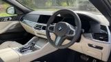 2021 BMW XDrive40d M Sport (Black) - Image: 6